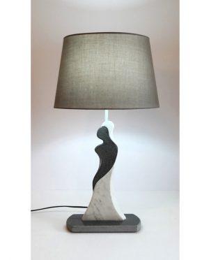 Lampada amanti pietra lavica e marmo by Gino Casavecchia
