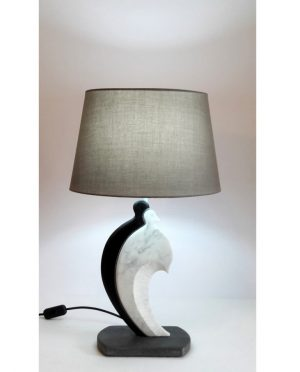 Lampada amanti pietra lavica e marmo di carrara by Gino Casavecchia