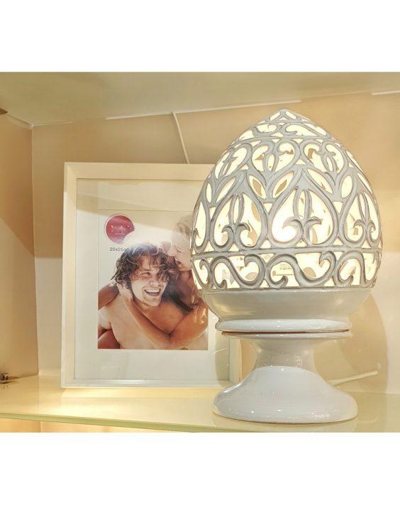Lampada Traforata a mano in Ceramica Bianca